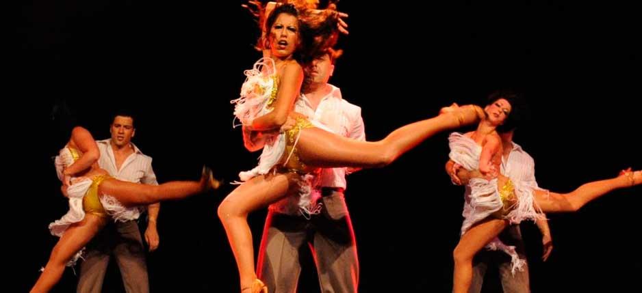 Servicio bailarines bailando en Tarrasa