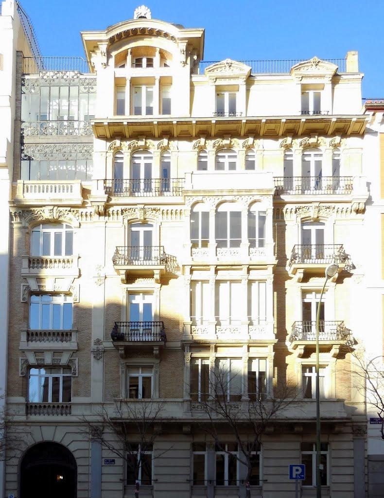 Los 7 edificios modernistas m s bonitos de madrid - Calle castello madrid ...