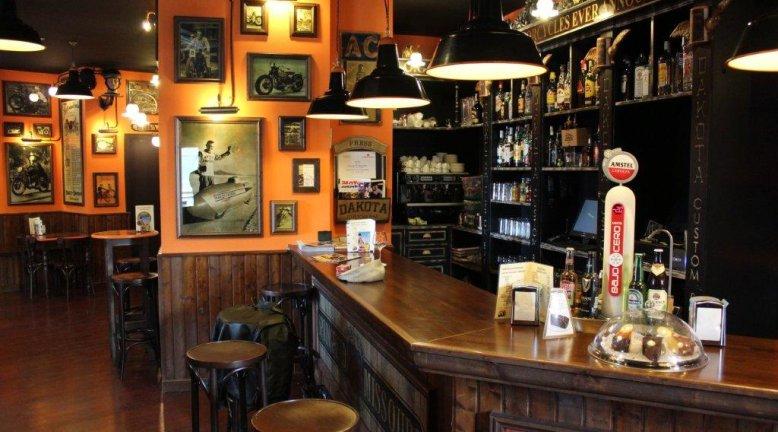 12 bares tem ticos en madrid for Decoracion bares tematicos