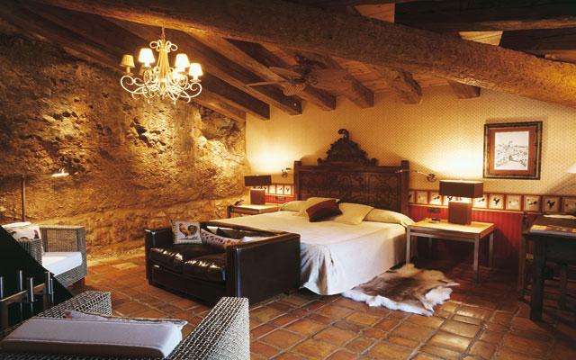 16 sitios rom nticos para ir con tu novia en madrid for Imagenes de habitaciones de hoteles de lujo