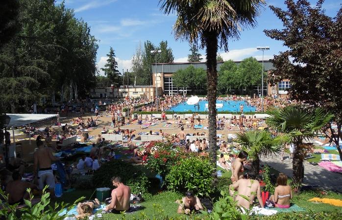 Piscinas de la casa de campo opiniones e informaci n for Fotos casas de campo con piscina